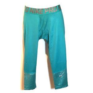 Nike 3/4 compression leggings